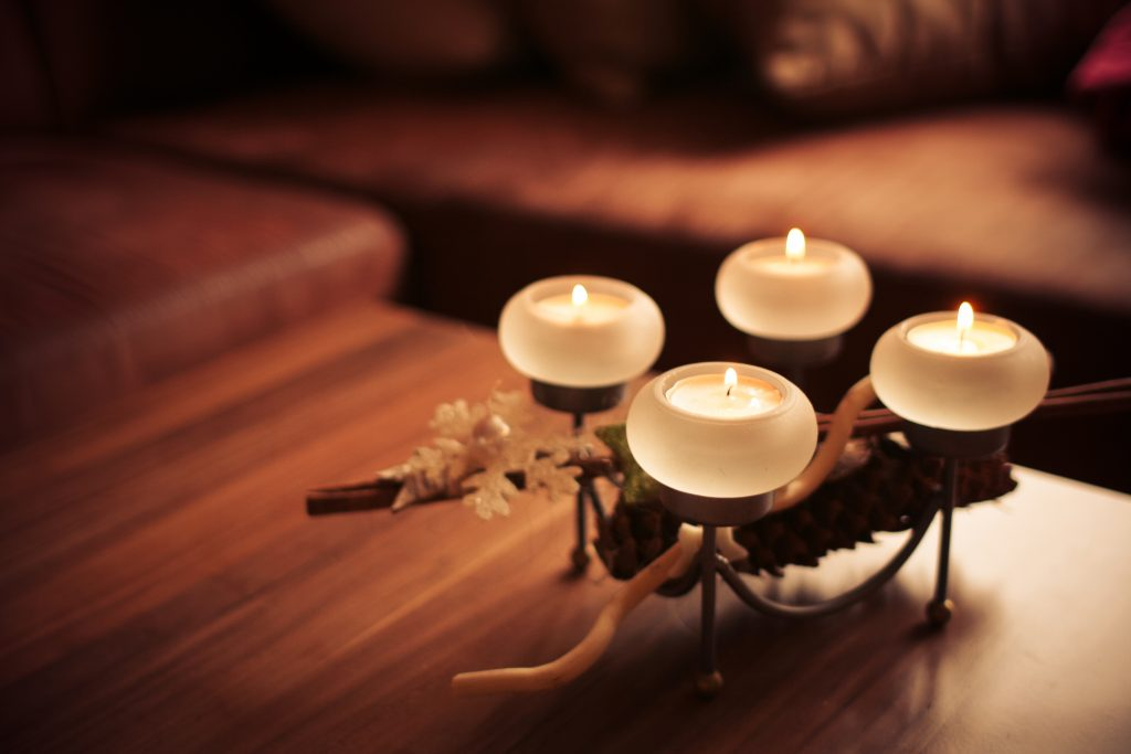 advent-candles-2013-right-picjumbo-com